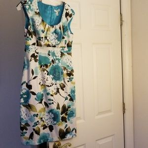 Sleeveless blue flowered dress